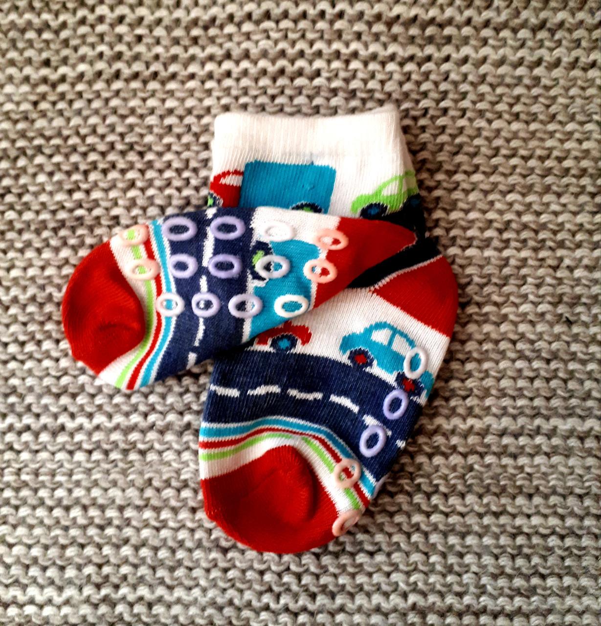 Носочки детские с тормозками  (Турция)  размер 6 8 месяцев