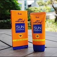 Увлажняющая Защитная эссенция от солнца PRRETI Aqua Water-Pang Sun Essence (SPF50+/PA+++)