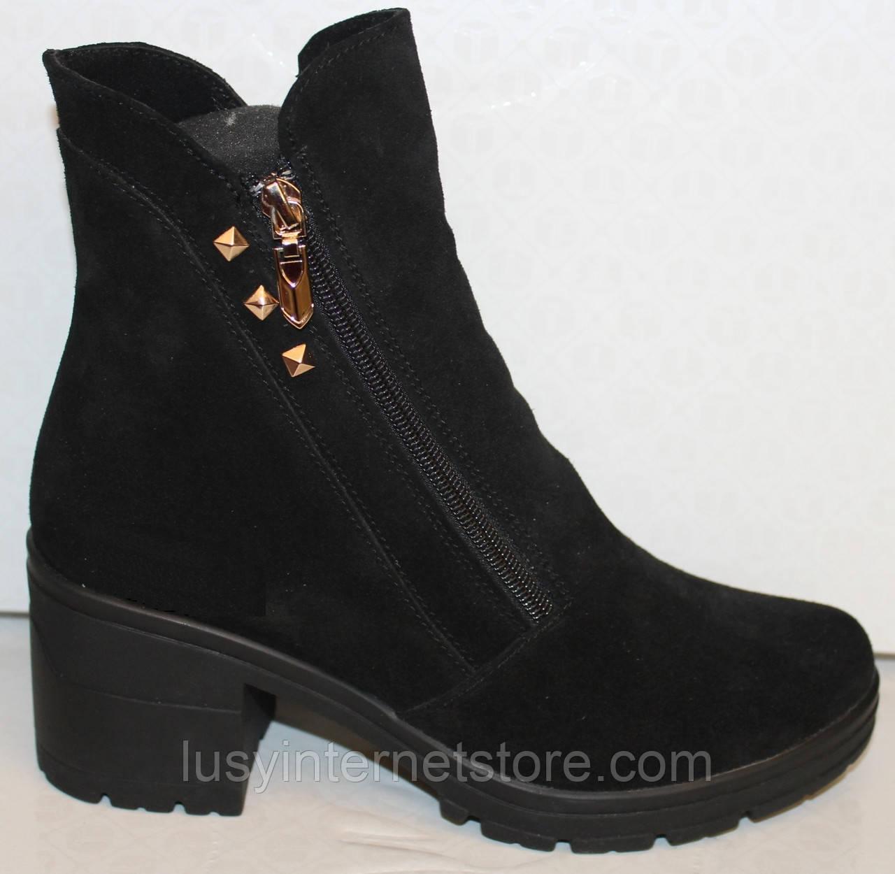 Ботинки черные замшевые женские демисезонные на каблучке от производителя модель БМ303