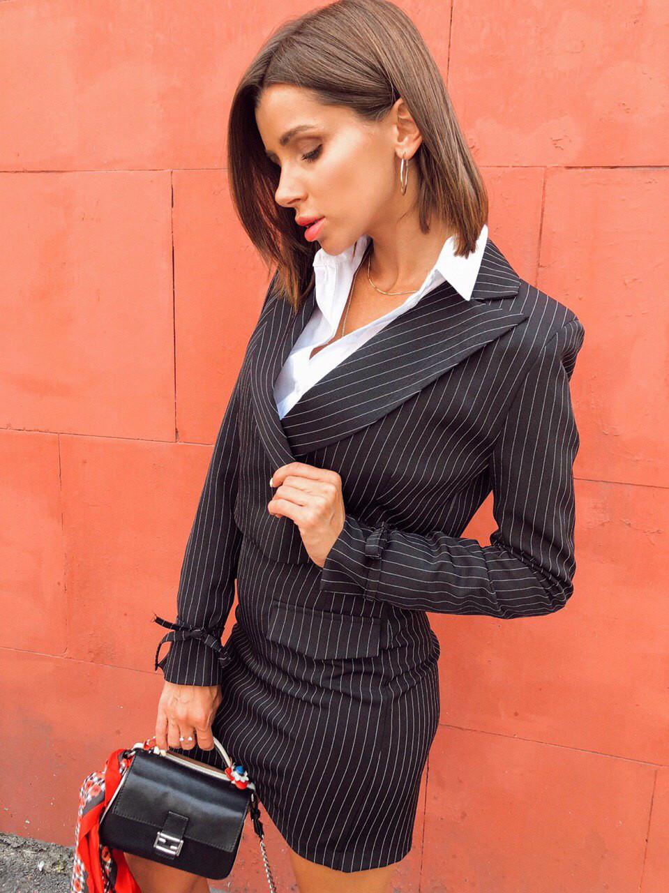 Стильный женский костюм чёрный, белый