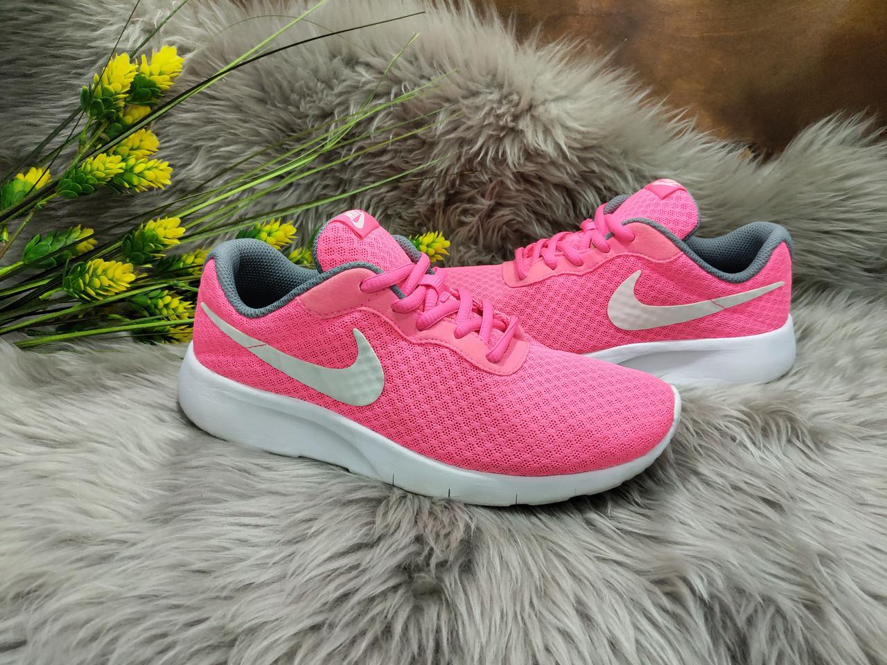 Женские кроссовки Nike Tanjun (35.5 размер) бу
