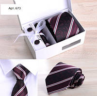 Набор подарочный: галстук, запонки, платок, зажим, подарочная коробка бордовый GS673