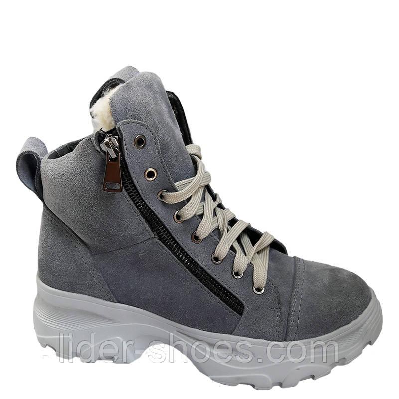 Женские замшевые ботинки на модной подошве