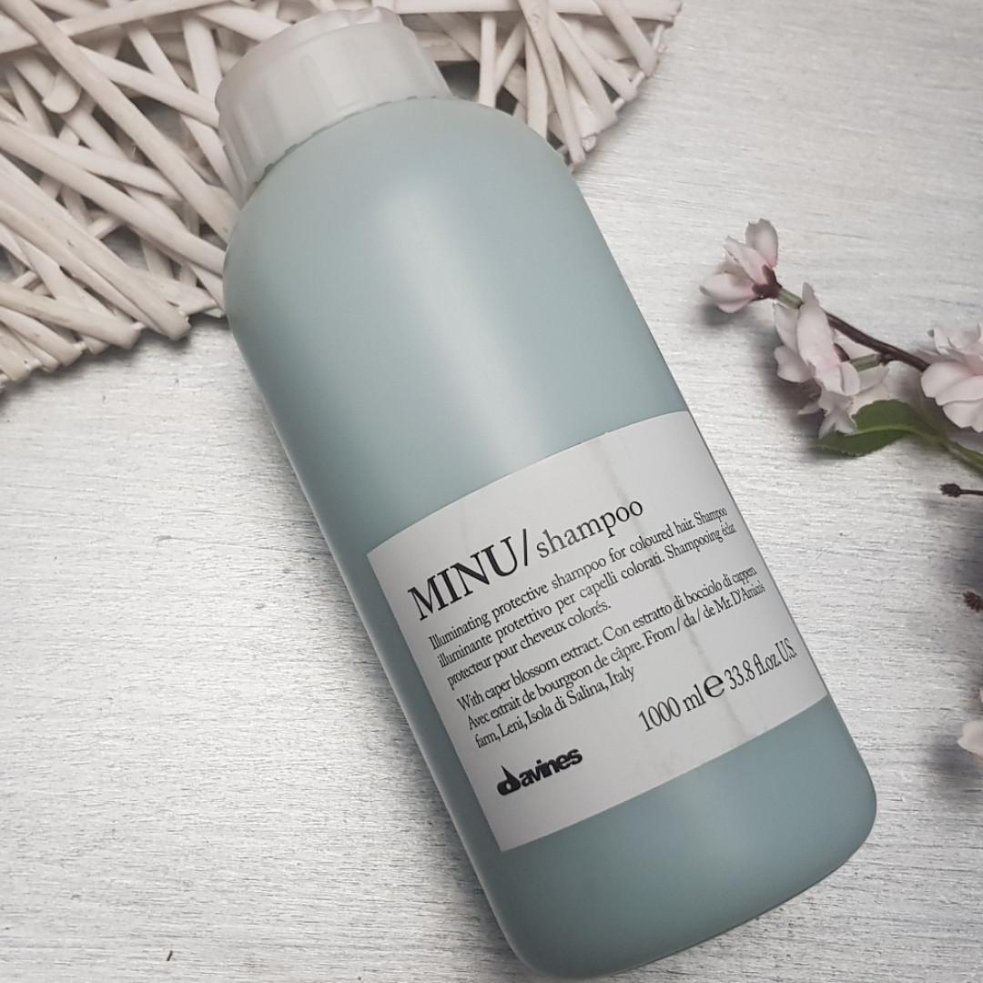 Защитный шампунь для сохранения косметического цвета волос  Davines Essential Haircare New Minu Shampoo 1000мл