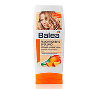 Balea Feuchtigkeits Spulung Mango + Aloe Vera ополіскувач для пошкодженого волосся 300 ml