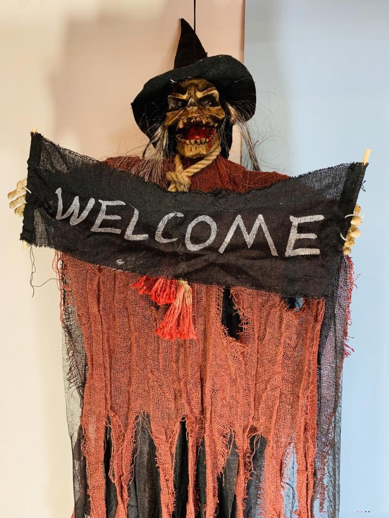 """Декор на Хэллоуин Нежить """"Welcome"""" в рыжем балахоне со звуком и светом"""