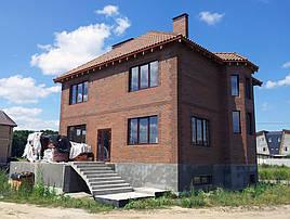 Мы разработали проект частного жилого дома в Киевской области. Общая площадь 300м2. Выполняем авторский надзор за строительством дома.
