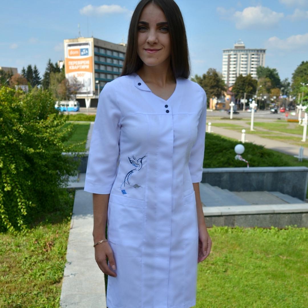 """Женский медицинский халат """" Колибри """" с вышивкой"""