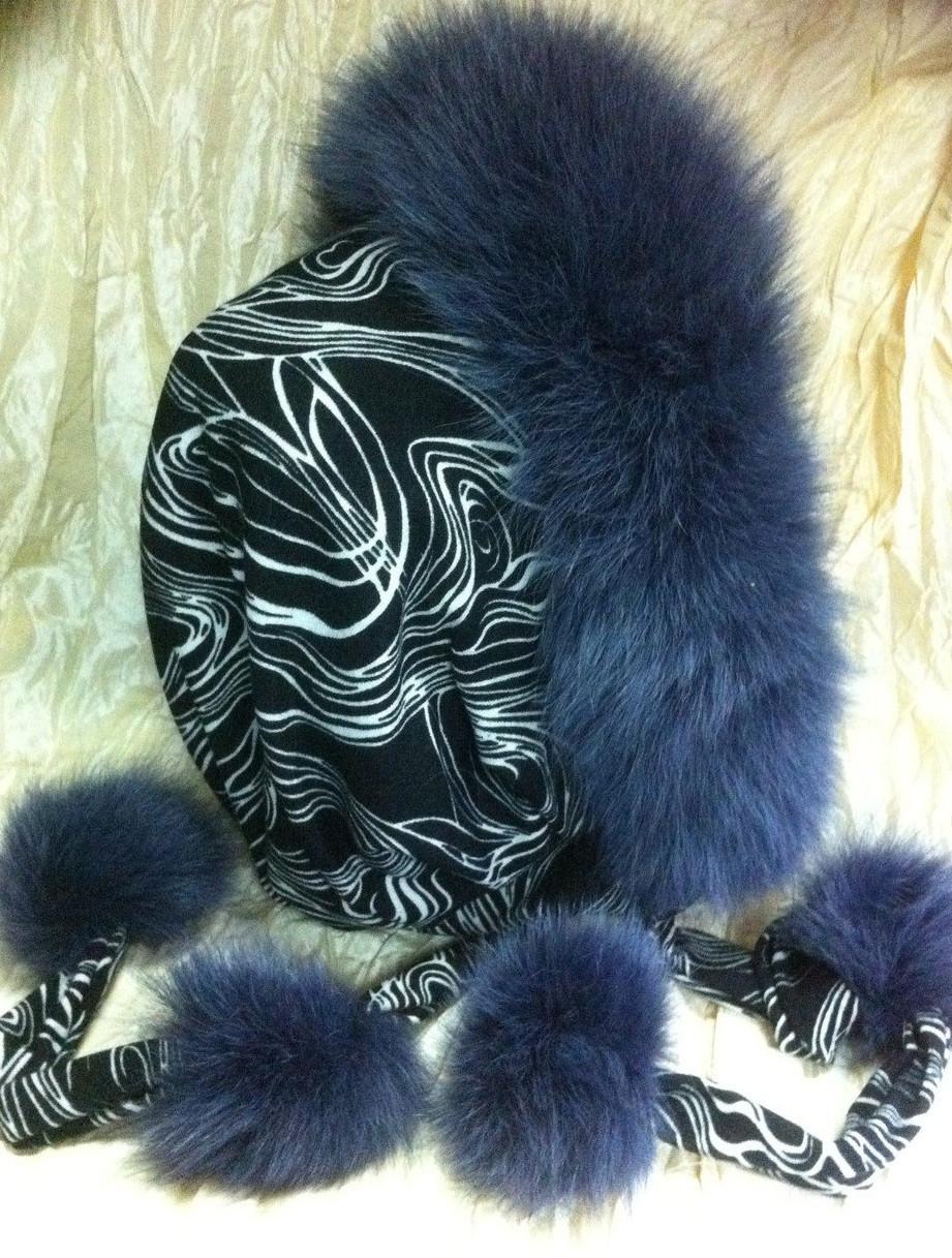 Капор капюшон с серо-синим мехом песца на чёрной ткани