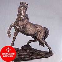 Статуэтка Конь на скале (31 см)