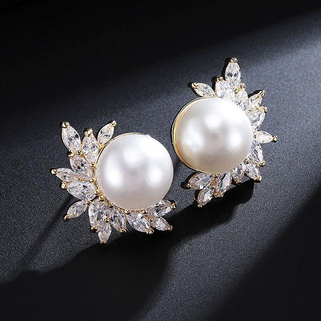 Серьги с жемчугом - Из перлов (Золотые с белым)