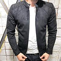 Бомбер мужской приталенный черного цвета с оригинальными рукавами