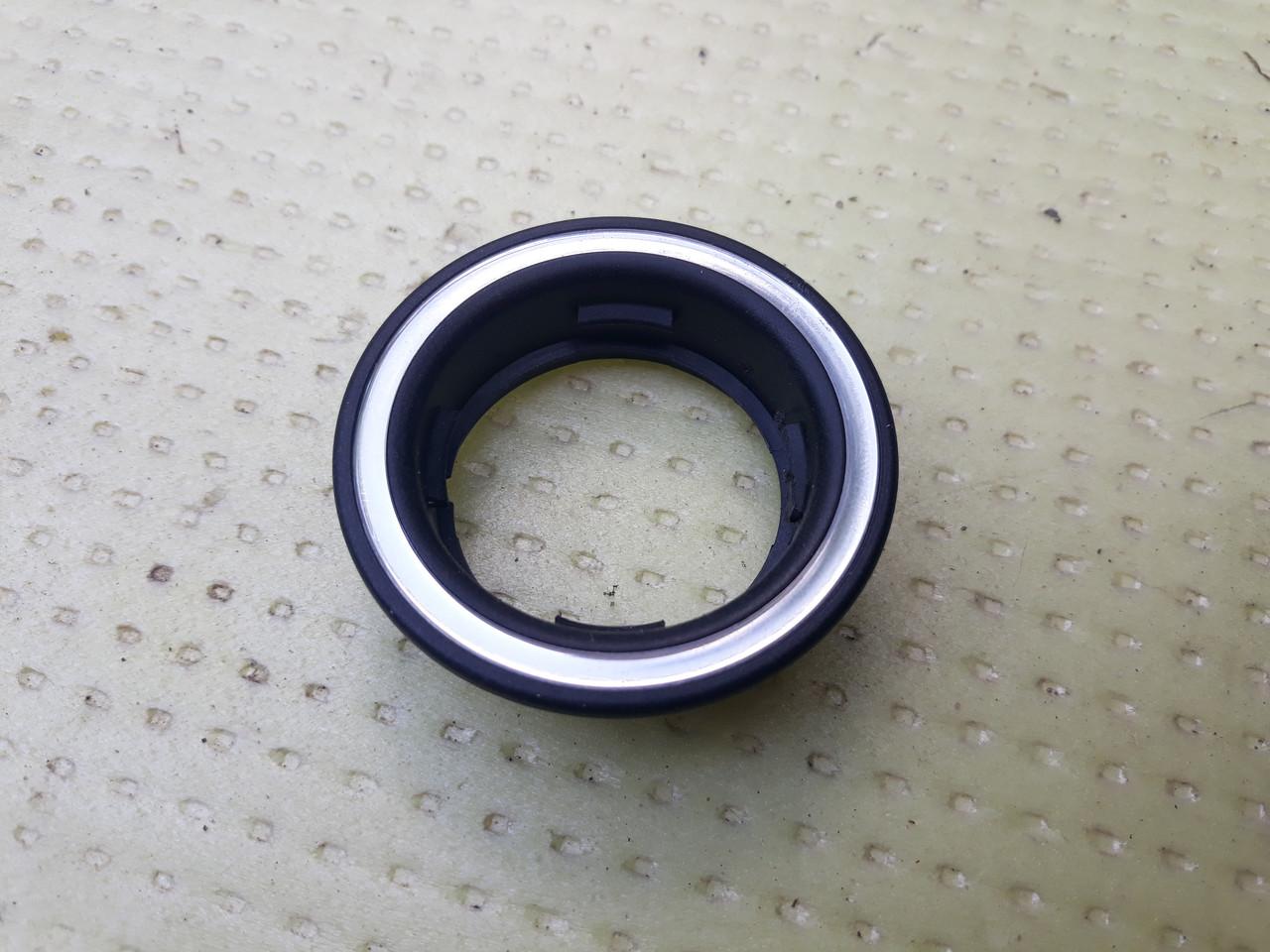 Окантовка кольцо замка зажигания Mercedes w211 w203 A2086800465 2086800465