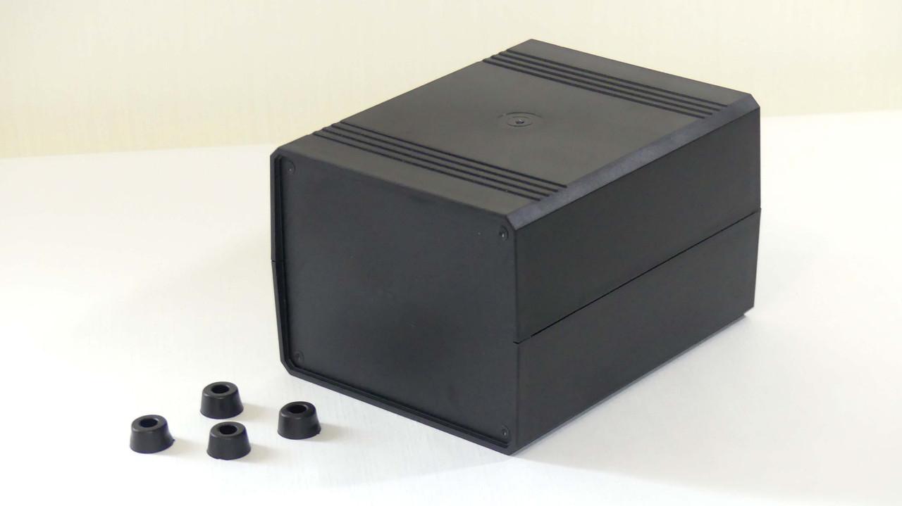 Корпус для электроники разборной 110х135х175мм с резиновыми ножками