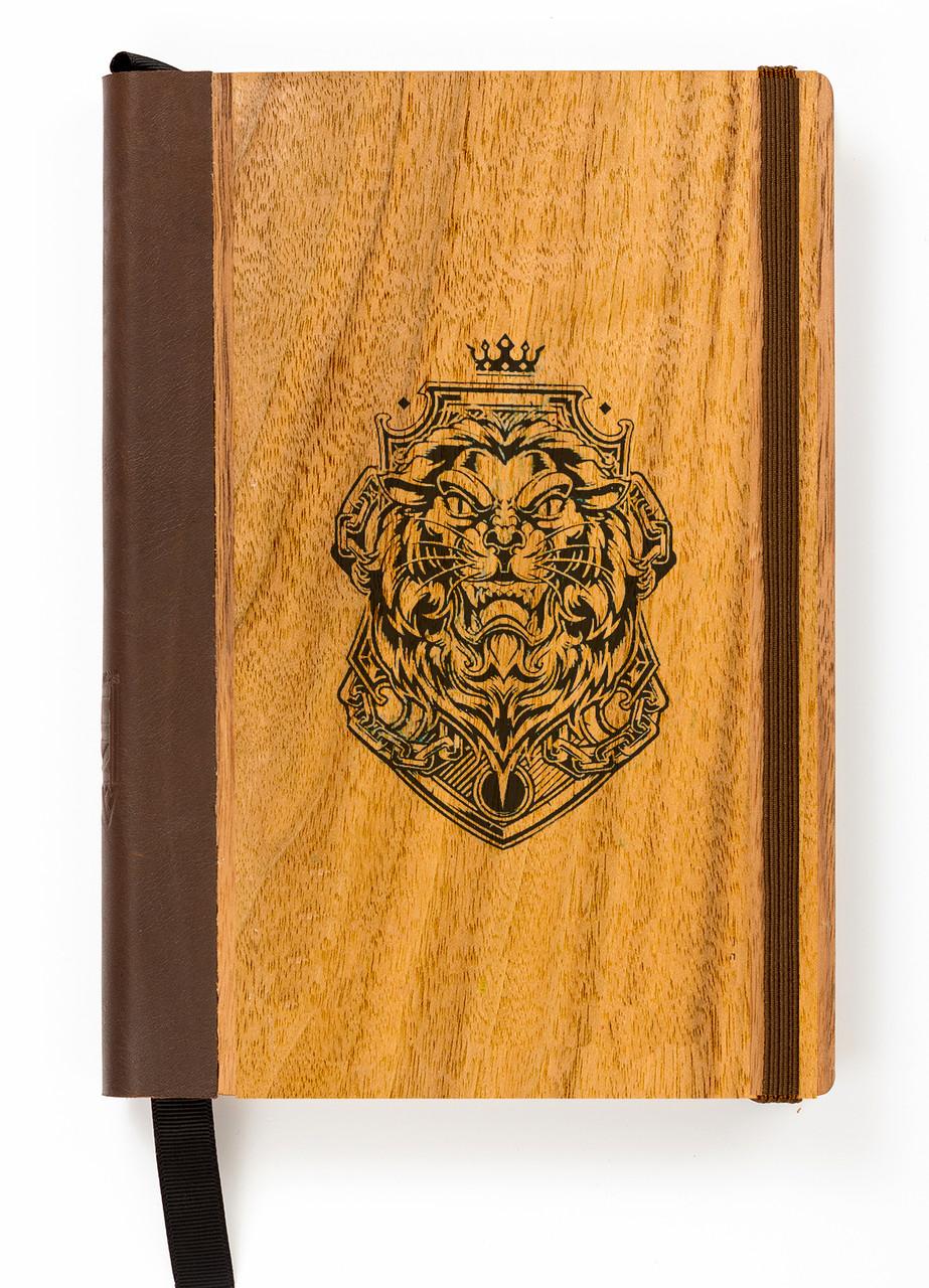 """Эко Ежедневник-мотиватор недатированный А5 """"Лев"""", деревянный в книжном переплете + ручка, 368 стр."""
