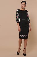 Женское платье с цветами на рукавах 3/4 и низу подола