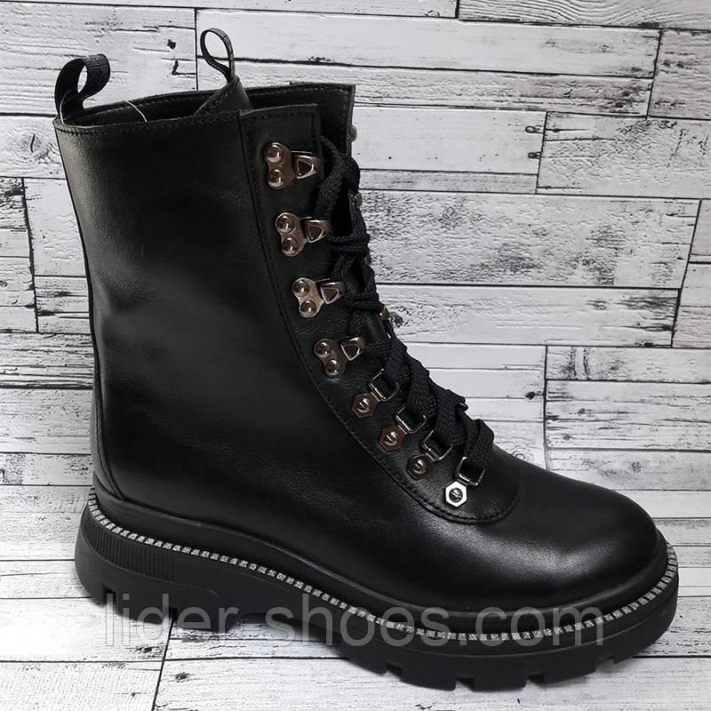 Женские кожаные ботинки на шнуровке