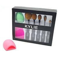 Набор косметических кистей со спонжом Kylie Jenner