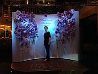 Сиреневая стена цветов аренда