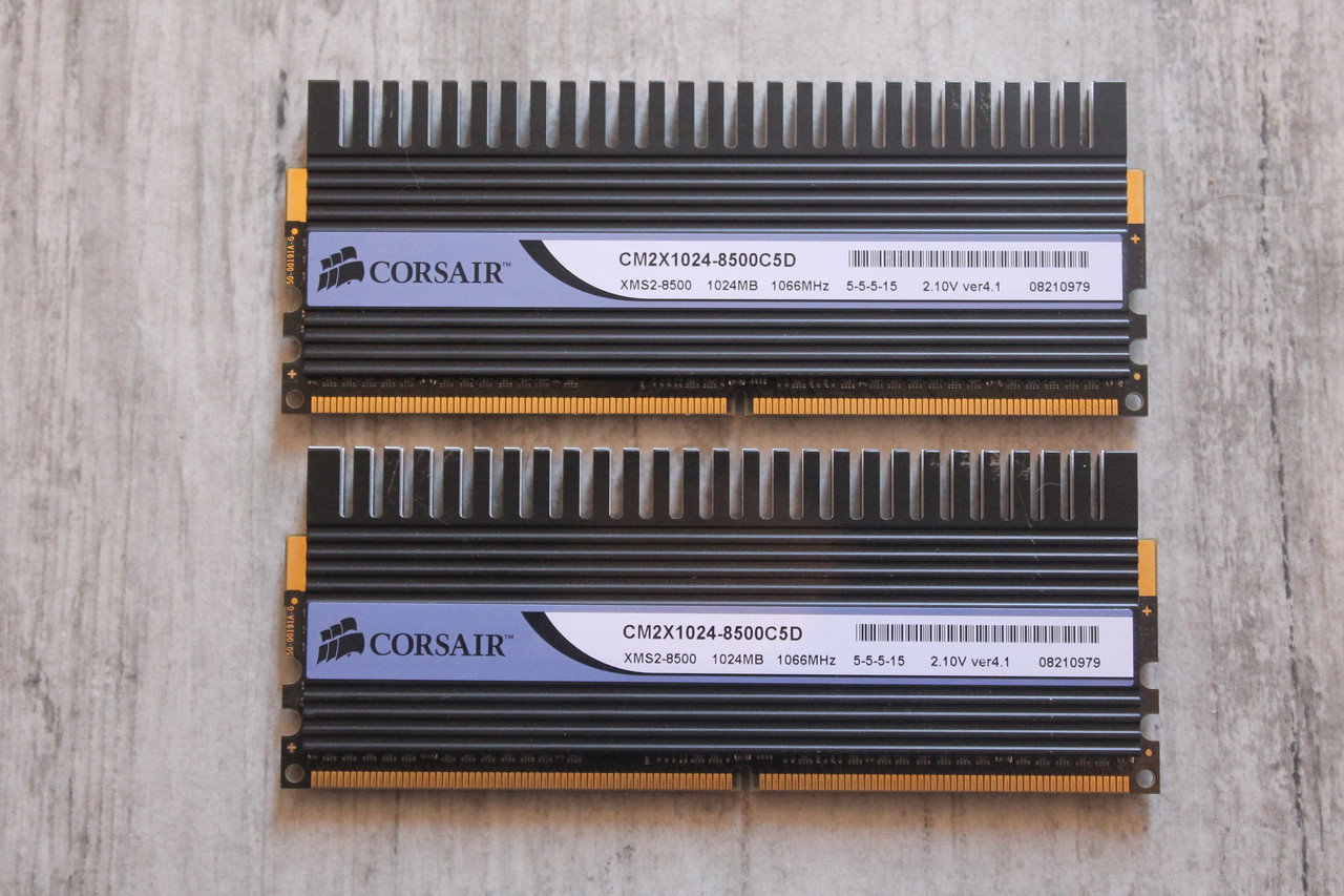 "Оперативная память Corsair DDR2 1GB 1066MHz DIMM CM2X1024-8500C5D ""Over-Stock"" Б/У"