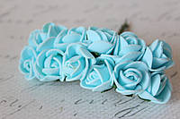 Декоративные розочки 2 см диаметр мини 144 шт. голубого цвета на стебле