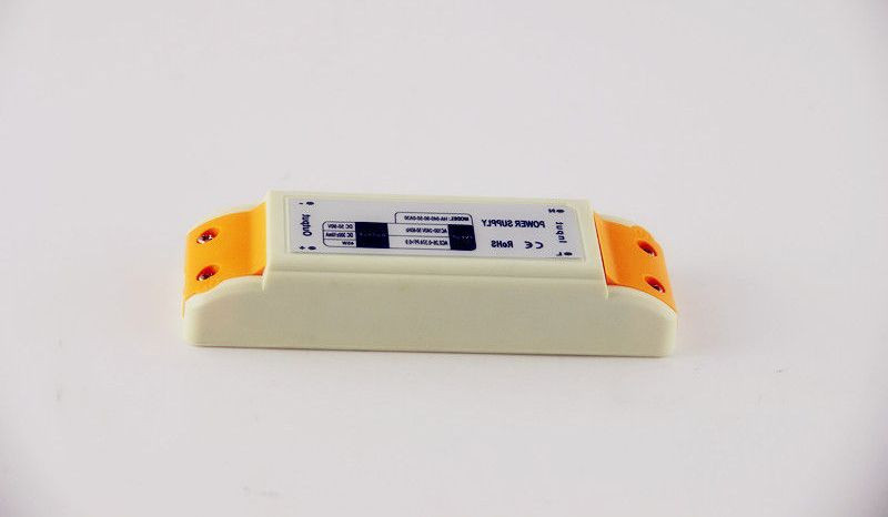 Dilux - Блок питания 24Вт, 12В, 2А, IP20, в пластиковом корпусе Premium класс, гарантия 2года.