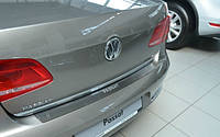 Защитная хром накладка на задний бампер (планка без загиба) Volkswagen passat b7 (фольксваген пассат б7) 2010+