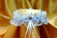 Свадебная подвязка невесты в бело/сиреневом цвете