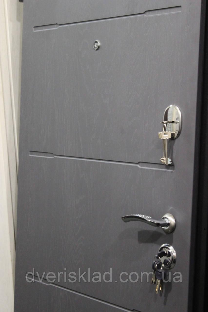 Двери бронированные Горизонталь