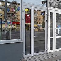 Входные двери Алютех из алюминиевой профильной системы Alutech ALT W62  для магазинов, кафе, ресторанов