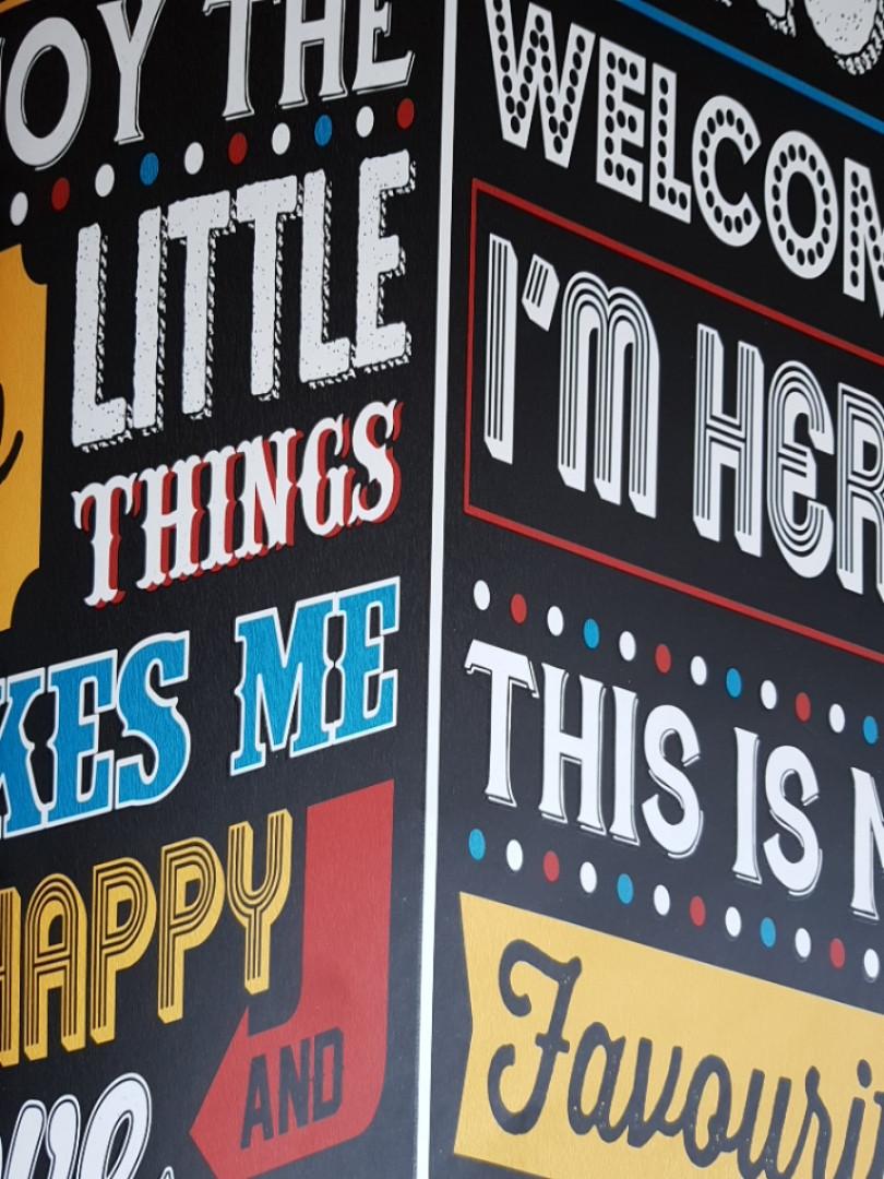 """Флизелиновые обои Decoprint WU20661 What""""s up молодежные модерн надписи вывески реклама на черно сером"""