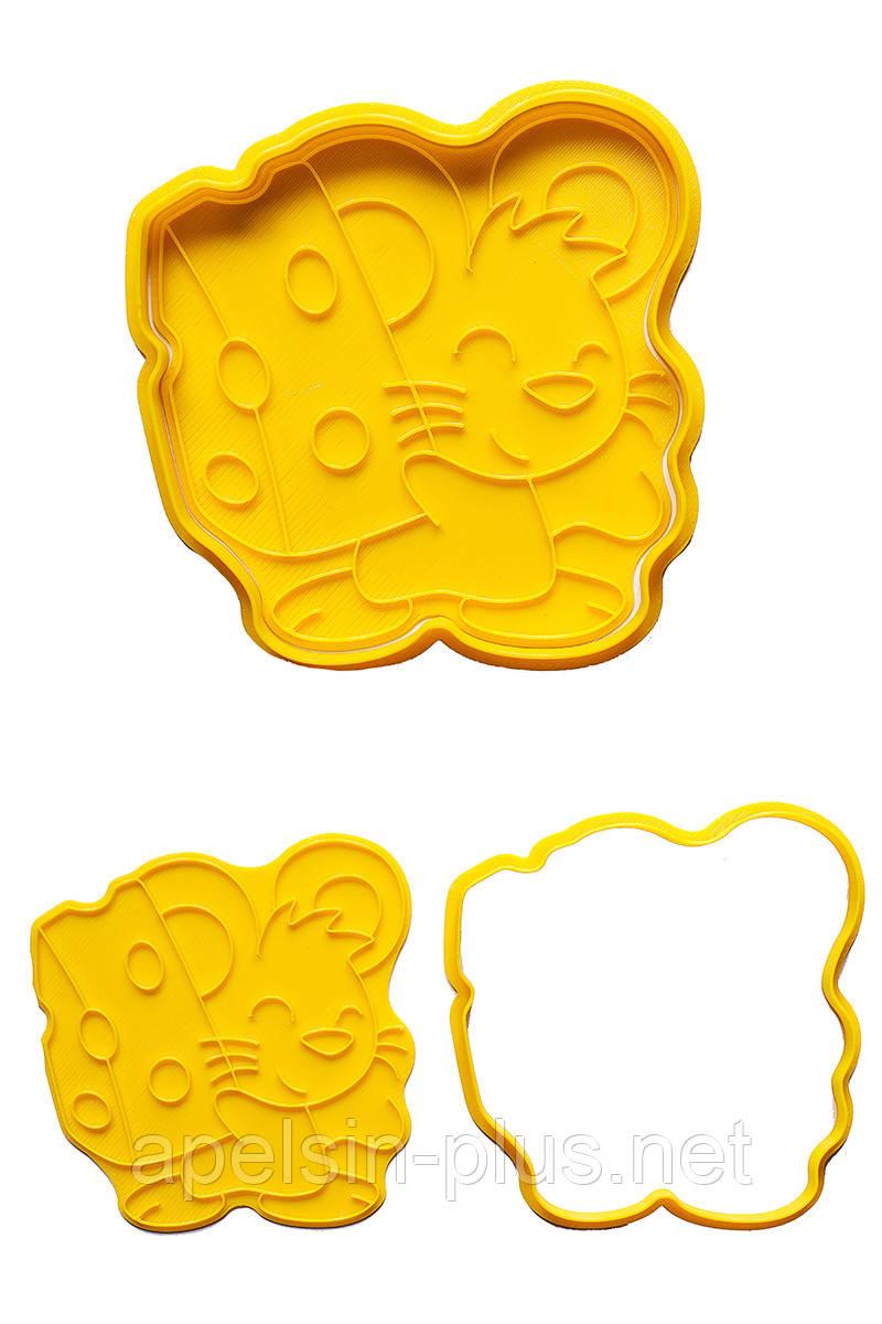 """Вырубка с оттиском для имбирных пряников и печенья """"Мышонок с сыром"""" 12 см"""