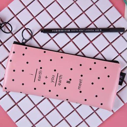 Пенал-косметичка женский розовый для девушек «I earth»
