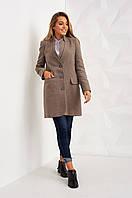 Стильное женское пальто цвета капучино