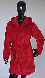 Женский махровый халат бордового цвета с капюшоном
