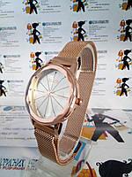 Шикарные женские наручные часы fuke на магнитном браслете
