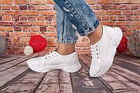 Женские кроссовки из натуральной кожи белого цвета