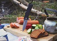 Нож складной с мощным клинком, тяжесть придают стальные плашки рукояти, с шероховатыми накладками, с клипсой, фото 1