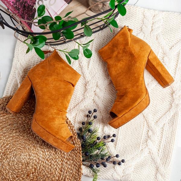 Женские ботинки Pounds