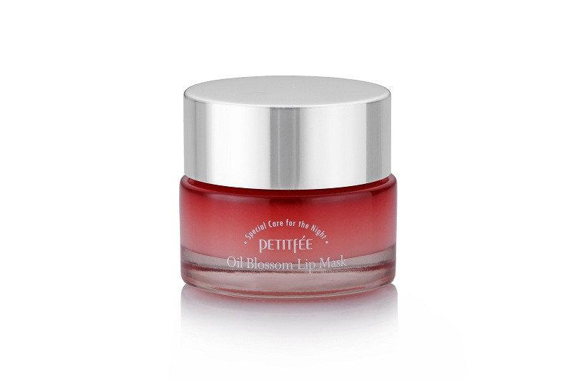 Увлажняющая ночная маска для губ с маслом камелии PETITFEE Oil Blossom Lip Mask Camellia Seed Oil 15 мл Корея