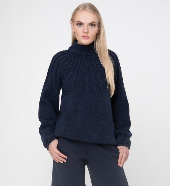 Женский теплый вязаный свитер большого размера под горло объемный