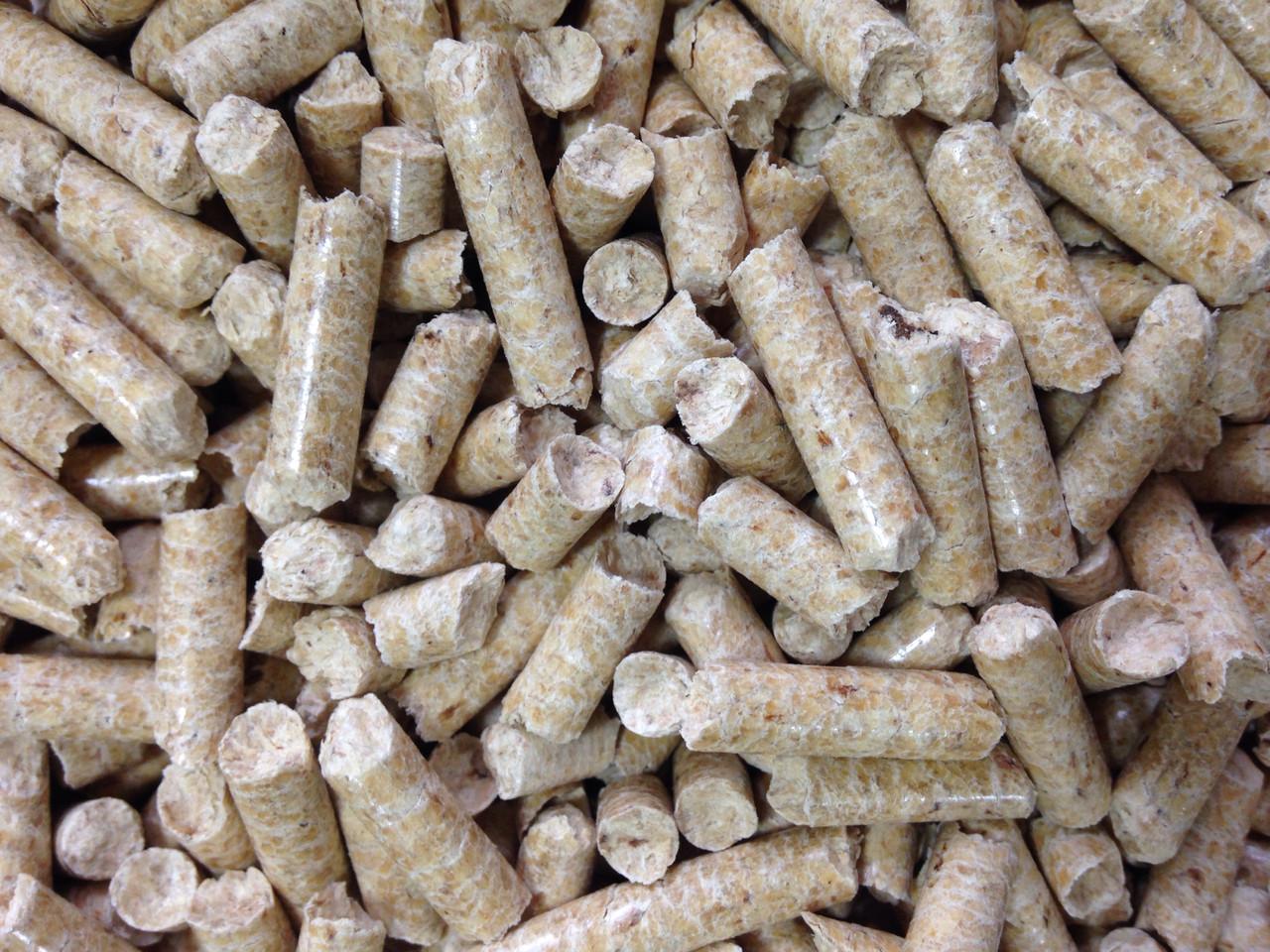 Запасись перед сезоном! Пеллеты из сосны 6 мм Полиэтиленовый мешок 15кг