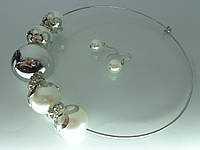 """Набор """"Матрёшка"""" с серебряным покрытием, жемчужными бусинами и металлическим шариком."""
