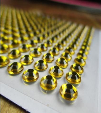 Камни самоклеящиеся (стразы клеевые) 6 мм жёлтые 540 шт