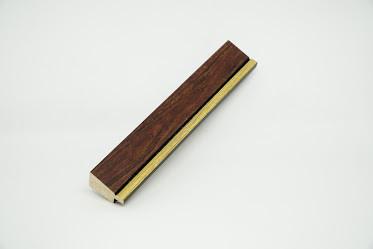 Багет дерев'яний темно-коричневий