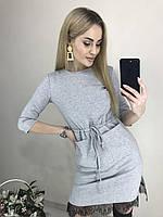 Стильное короткое платье с карманами и кружевом серое