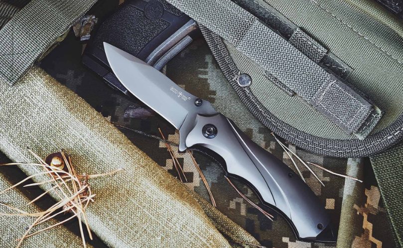 Нож складной- это небольшой флиппер в надежном корпусе, с металлической рукояткой, компактный