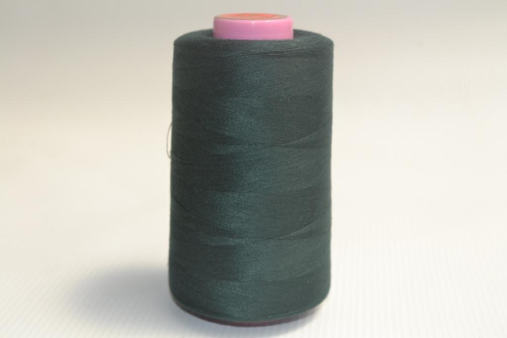 Швейные нитки разных цветов 901