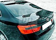 Козырек на заднее стекло (бленда) с вырезом агрессия Toyota Camry xv55 (Тойота Камри 55 кузов 2014г+)