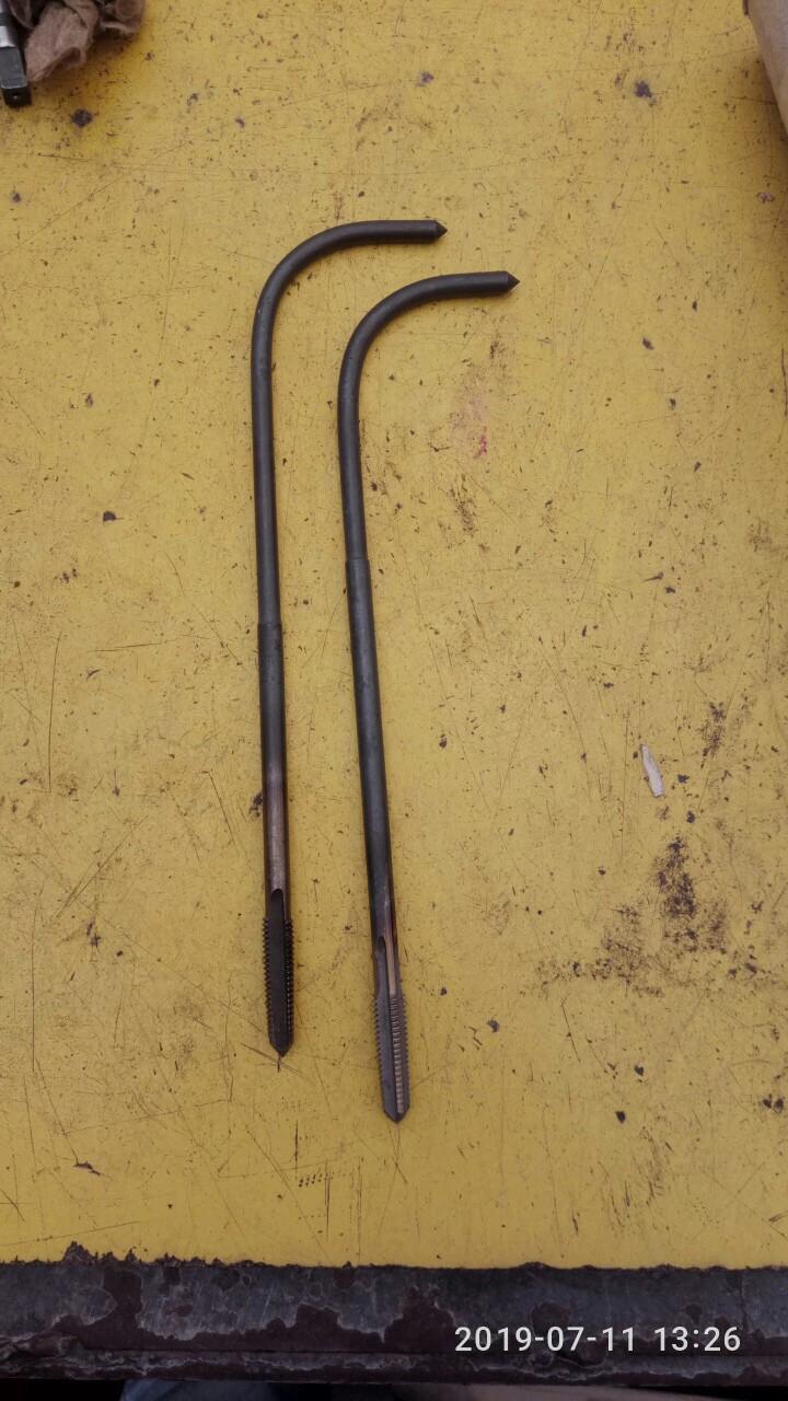 Метчик изогнутый хвостовик М10*1.5 Р6М5